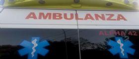 Cuneo, caduti in piscina giovedì : E