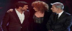 Sanremo 2018/ Il fuorionda dopo monologo Favino e duetto Baglioni-Mannoia : Siete 3 str..