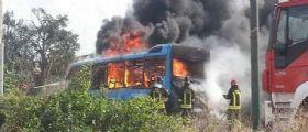 Avetrana : Bus di studenti prende fuoco, salvati dall
