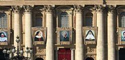 Papa Francesco canonizza cinque santi