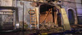 Catania, esplosione per una fuga di gas : Muoiono due vigili del fuoco e un anziano