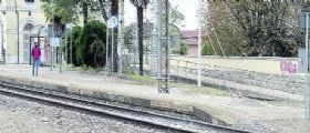 Suicidio Susegana - artigiano 50enne disperato per il lavoro si getta sotto un treno : Era padre di 4 figli