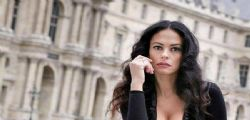 Non era adatto per un lavoro da modella! Maria Grazia Cucinotta voleva ridursi il decoltè