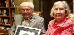 Il segreto è la gentilezza! Lei ha 105 anni e lui 106, sono la coppia più vecchia del mondo