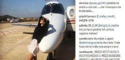 Belen Rodriguez posa davanti al jet privato... insulti sui social
