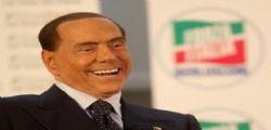 Silvio Berlusconi al Tg5  : I migranti sono una bomba sociale, via in 600mila