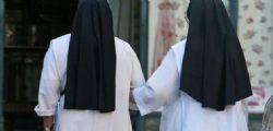 Due suore missionarie tornano dall'Africa incinte, imbarazzo in Vaticano!