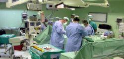 Tolgono lo stomaco per errore : Due chirurghi a processo
