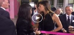 Belen Rodriguez fischiata a Napoli a Tutto Sposi 2016 - Video