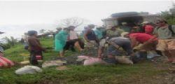 Filippine, camion in burrone:19 vittime