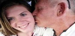 Lo scambiano per mio nonno! A soli 19 anni sposa un uomo di 62