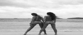 Alessandra Sorcinelli e Barbara Guerra in bikini mozzafiato