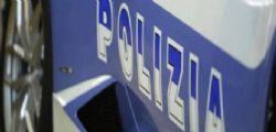 Ubriaco al volante picchia agenti che lo soccorrono! Arrestato romeno 42enne