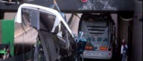 Parigi, Autobus pieno di studenti decapitato : Troppo alto per il tunnel
