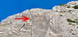 La scritta Dux sulla montagna... è subito polemica