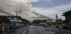 Filippine - eruzione vulcano Mayon : 12.000 persone sono state evacuate
