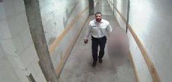 Il Diavolo! Guardia giurata violenta bimba di 3 anni in centro commerciale