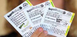 Gioca due euro a VinciCasa e vince 200mila euro insieme a un appartamento