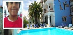 Il piccolo Richard muore a 7 anni nella piscina dell'hotel. Bloccato in acqua da un bocchettone