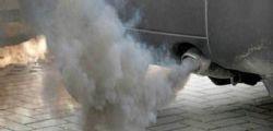 Cavie umane gas di scarico : auto tedesche sotto accusa
