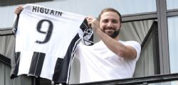Gonzalo Higuain alla Juventus presentato alla stampa : Diretta video streaming