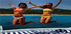 Elisabetta Gregoraci in un bikini sexy in Sardegna