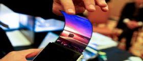 Samsung : A Ottobre anche prossimi smartphone con schermo curvo