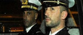 Agenzia di collocamento Lecco : Non assumeremo indiani fino alla liberazione dei Marò