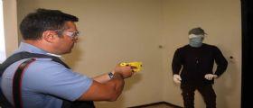 Sicurezza, via alla sperimentazione del taser, la pistola elettrica in 11 città : Ecco quali