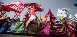 Oggi Lezioni a rischio : sciopera il personale scolastico