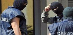 Bari : Fermato un uomo che inneggiava all