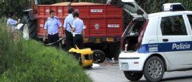 Fano, Bimbo di 8 anni cade in scooter col padre : Muore schiacciato da un trattore