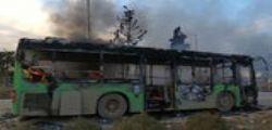 Siria : attaccati e bruciati i bus che servivano ad evacuare villaggi sciiti