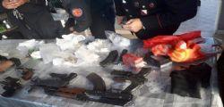 A Napoli trovati arsenale di armi e droga