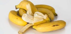 È solo una performance! Mangia la banana di Maurizio Cattelan da 120mila dollari