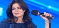 Amici Celebrities, Laura Torrisi scoppia in lacrime, l'abbraccio in studio commuove tutti