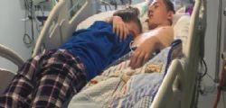 L'ultimo abbraccio della 15enne Stephanie Ray al fidanzato Blake Ward in fin di vita