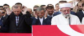 Turchia : Erdogan vieta l