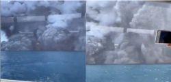 Erutta vulcano in Nuova Zelanda: almeno un morto, le immagini