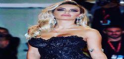 Elena Morali ha scollatura vertiginosa! La foto a Venezia seduce tutti