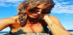 Si vede tutto! Sabrina Salerno manda i follower in estasi con uno shooting bollente