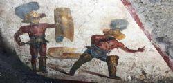 Pompei, scoperto affresco gladiatori