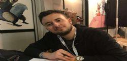 Mattia Labadessa su Facebook : Vorrei una app per far addormentare le ragazze e farci sesso
