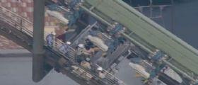 Giappone, incubo sulle montagne russe: 64 persone bloccate a testa in giù per due ore