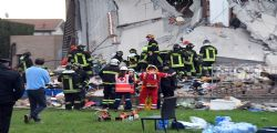 Crolla palazzina a Milano : estratte vive le 9 persone coinvolte