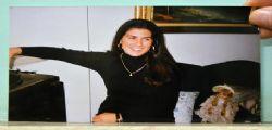Angela Nesta morta durante parto : In centinaia ai funerali