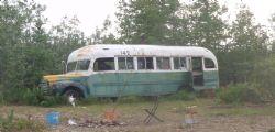 Cercava di raggiungere l'autobus di Into the wild! Muore 24enne, si era appena sposata
