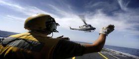 Elicottero della Marina cade durante un