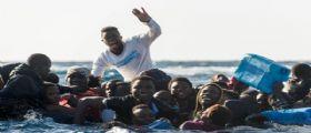 Migranti, cade l