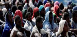 La proposta M5s : Preservativi gratis agli under 26 e ai richiedenti asilo